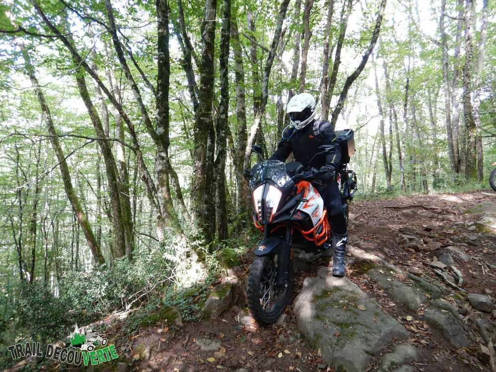 randonnée moto dans le Lot